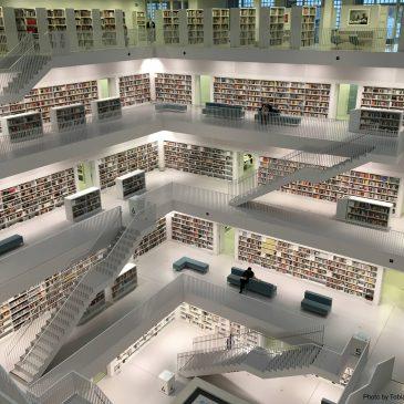 Biblioteca su più piani